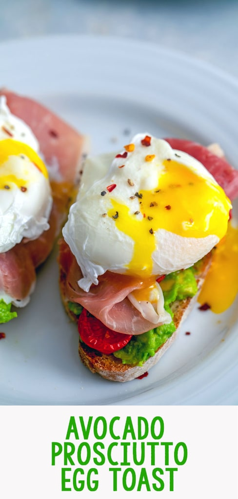 Avocado Prosciutto Egg Toast -- This avocado egg toast is topped with roasted tomatoes and prosciutto, making it an incredibly satisfying and delicious breakfast... And also perfect for breakfast for dinner | wearenotmartha.com #avocadotoast #eggtoast #eggs #avocado #breakfast