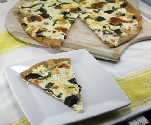 Basil-and-Garlic-White-Pizza-11.jpg