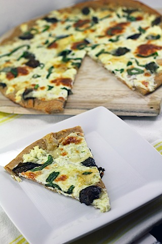 Basil-and-Garlic-White-Pizza-8.jpg