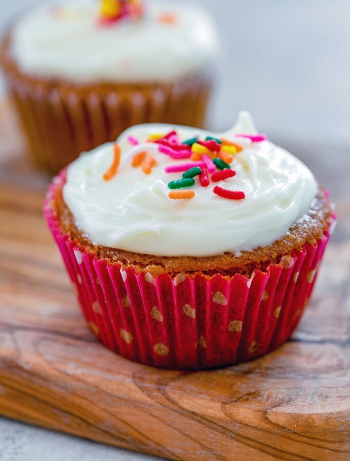 Bethenny Frankel's Not-So-Red-Velvet Cupcakes -- Bethenny Frankel's Not-So-Red-Velvet Cupcakes are not quite red like your typical red velvet cupcakes. But they're also a little bit healthier and gluten-free! | wearenotmartha.com