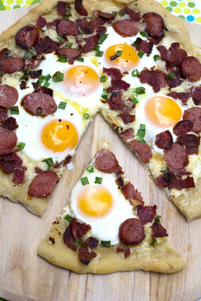 Butterball Meat Lovers' Breakfast Pizza 11