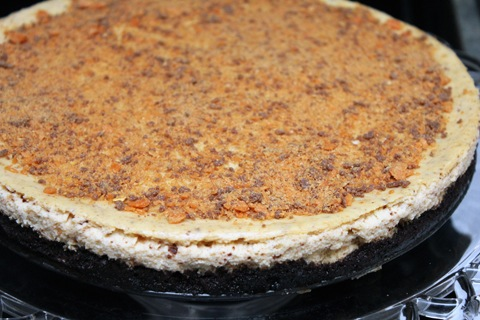 Butterfinger-Cheesecake-1.jpg