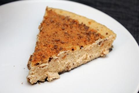 Butterfinger-Cheesecake-2.jpg