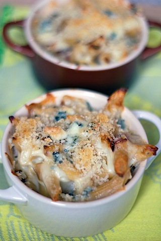 Caramelized Onion, Prosciutto, and Gorgonzola Mac and Cheese 5.jpg
