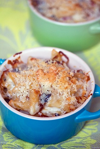 Caramelized Onion, Prosciutto, and Gorgonzola Mac and Cheese - We are ...