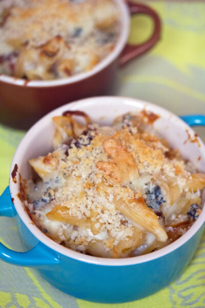 Caramelized Onion, Prosciutto, and Gorgonzola Mac and Cheese