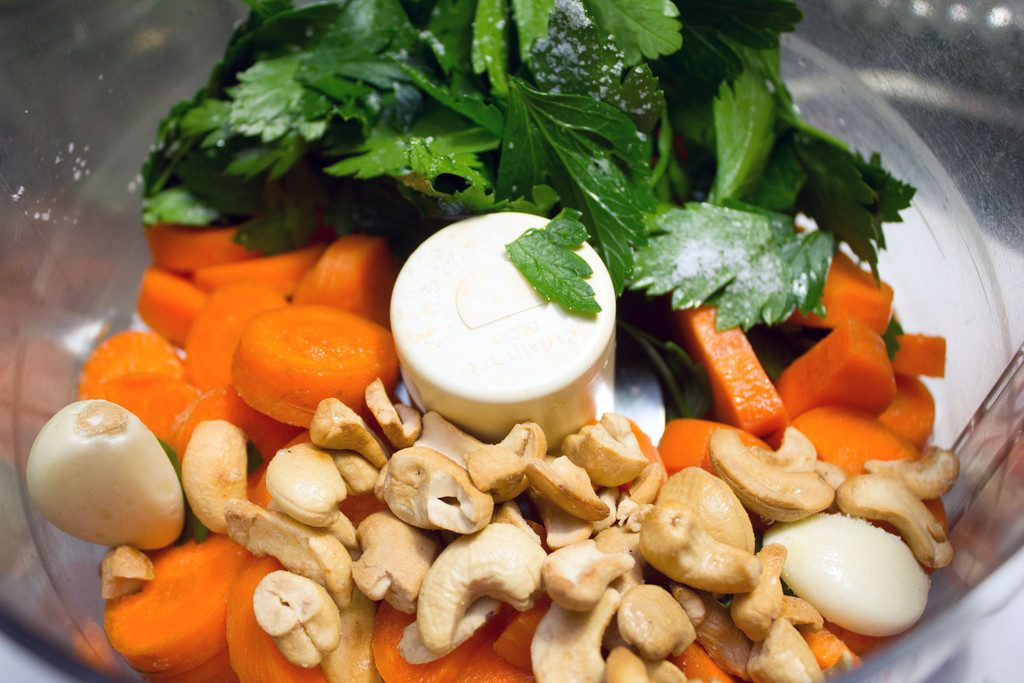 carrot-pesto-food-processor