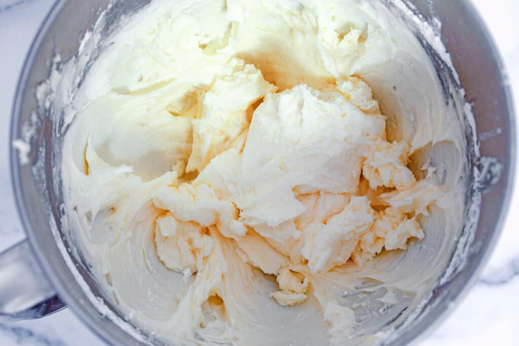 Vanilla champagne buttercream frosting in bowl
