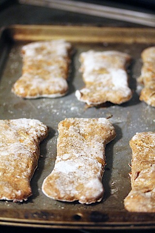 Chicken Dog Treats -- A recipe for homemade treats for dogs packed with whole ingredients | wearenotmartha.com