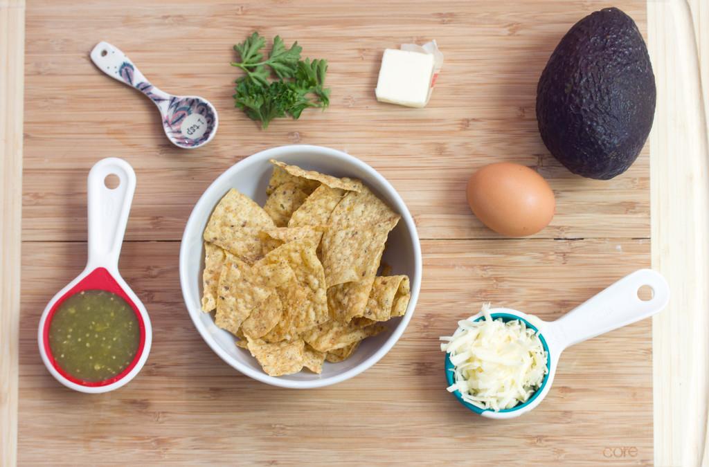 Chilaquiles Verde con Huevo Ingredients