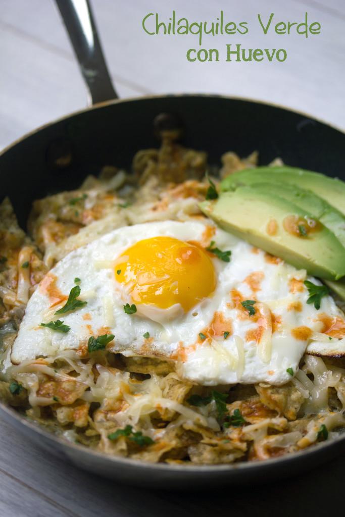 Chilaquiles Verde con Huevo