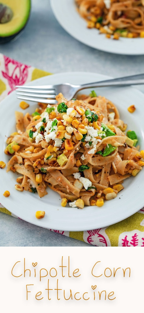 Chipotle Corn Fettuccine -- This pasta brings together the flavors of summer in a deliciously creamy and flavorful dish with a little bit of spice from the chipotle peppers | wearenotmartha.com #pasta #chipotles #corn #summer #fettuccine