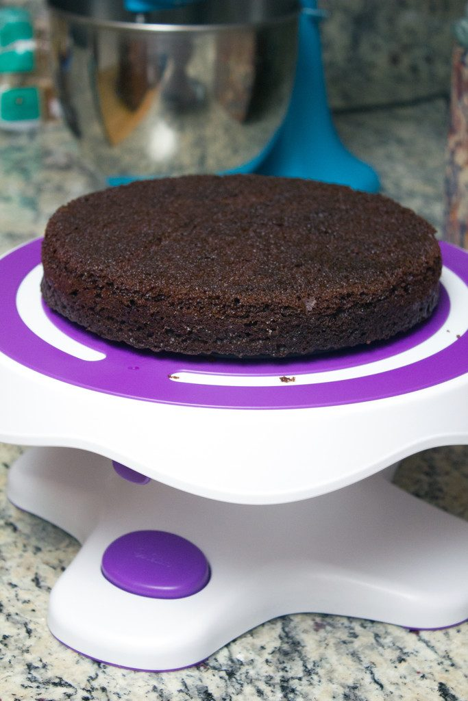 Wilton Tilt and Turn Cake Stand