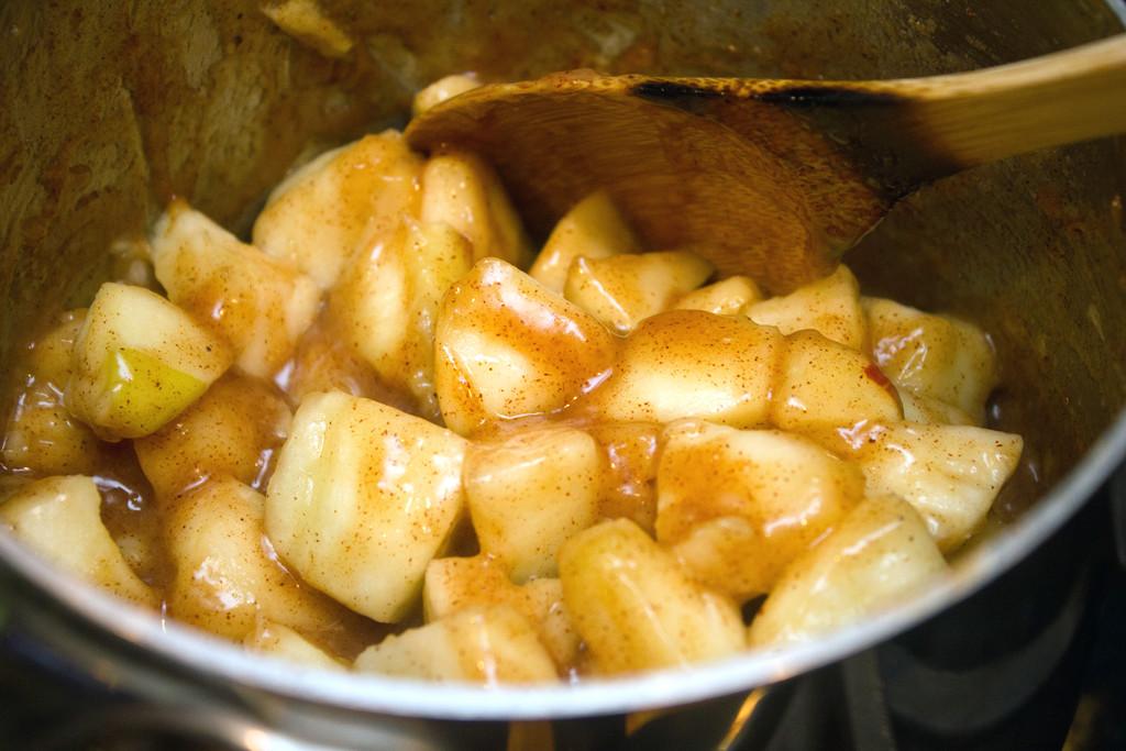 Chopped Apple Saucepan