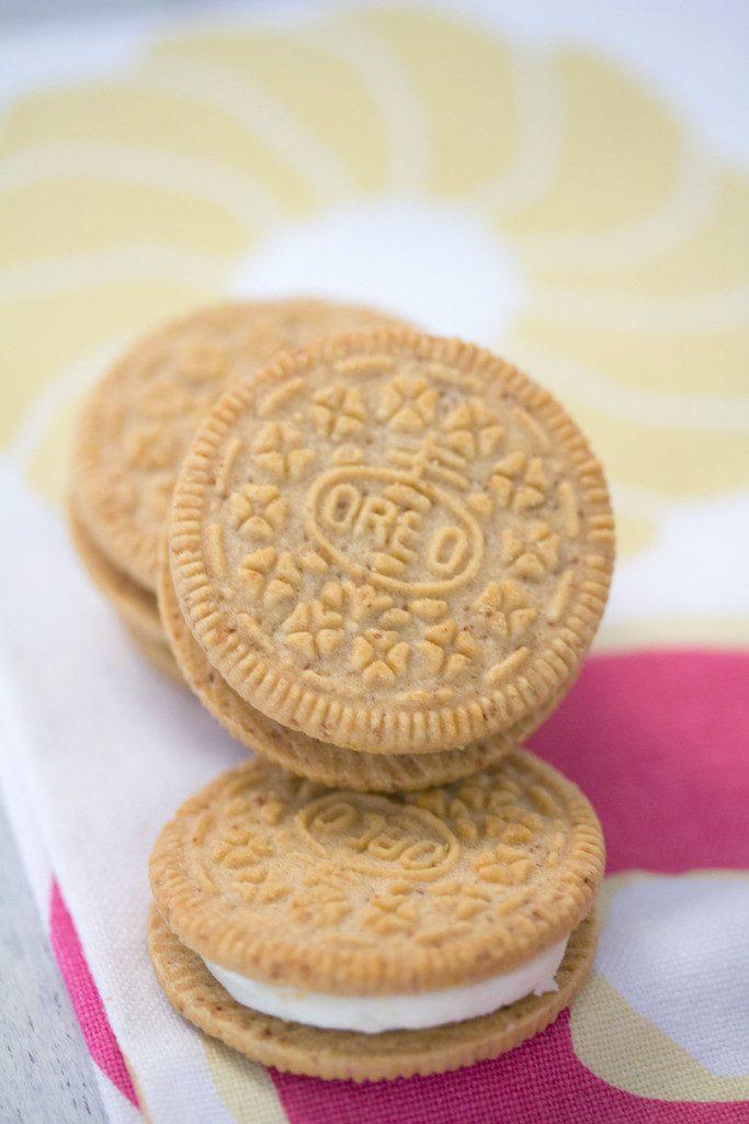 Cinnamon Bun Oreo Cookies -- Special edition Oreos