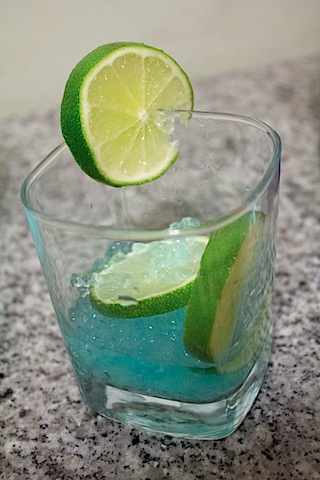 Cocktail-R-Evolution-Gin-Tonic-Limes.jpg