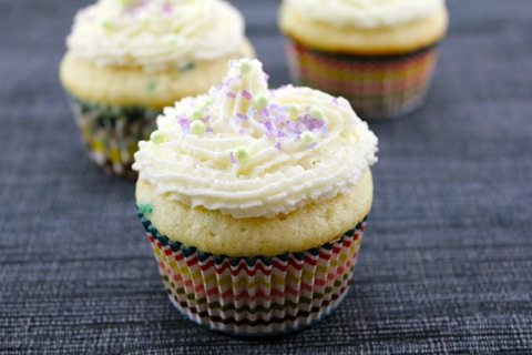 Confetti-Cupcakes-with-Champagne-Custard-Filling-3.jpg