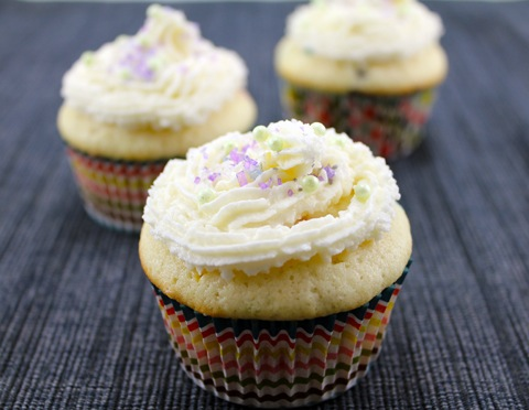 Confetti-Cupcakes-with-Champagne-Custard-Filling-4.jpg