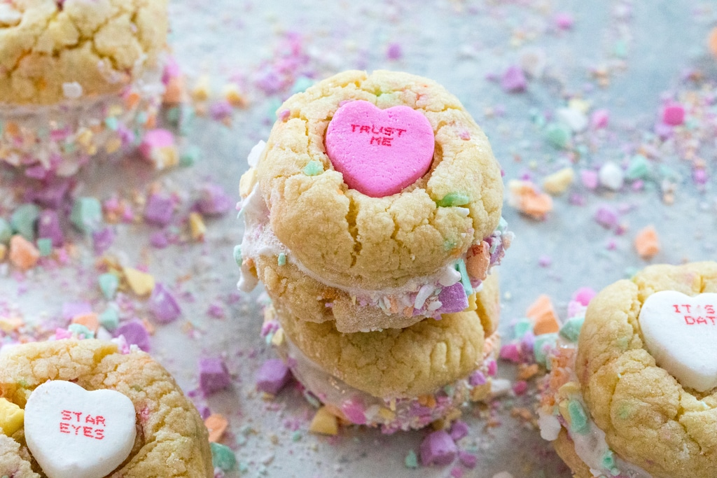 Conversation Heart Cookies with Marshmallow Fluff | We are ...