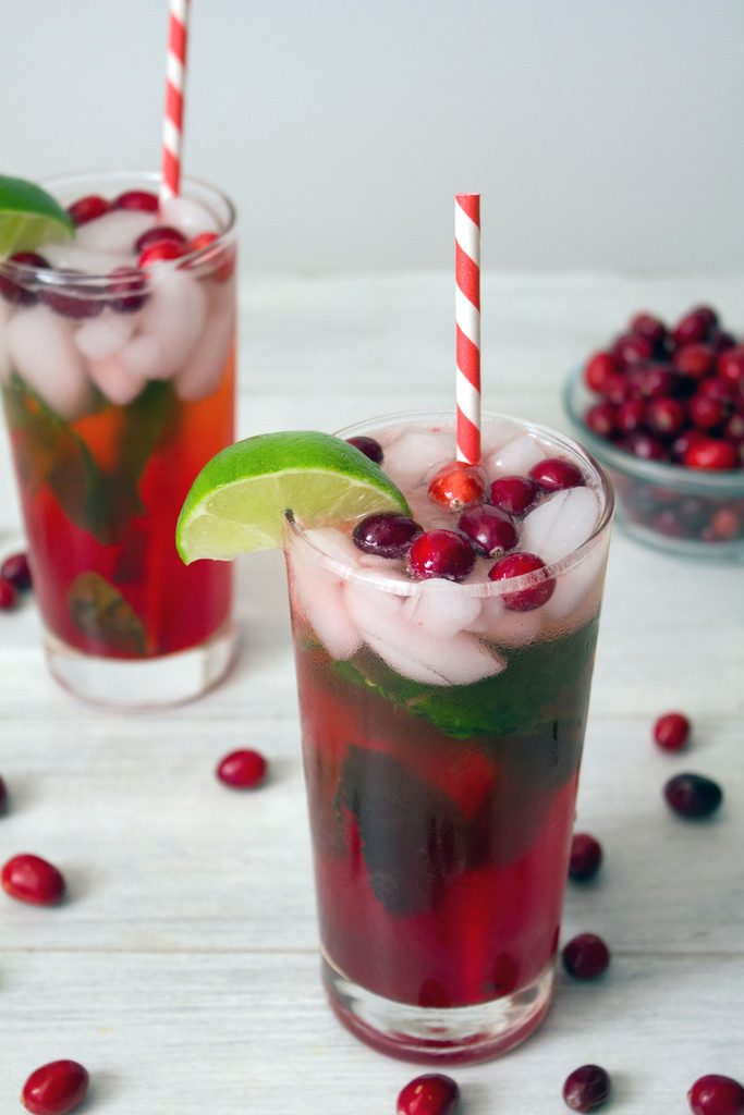 Cranberry Mojitos: The perfect holiday cocktail packed with cranberries and mint | wearenotmartha.com