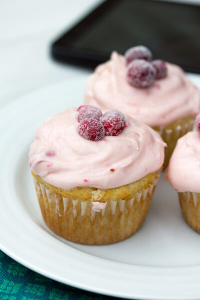 Cranberry_Champagne_Cupcakes_10