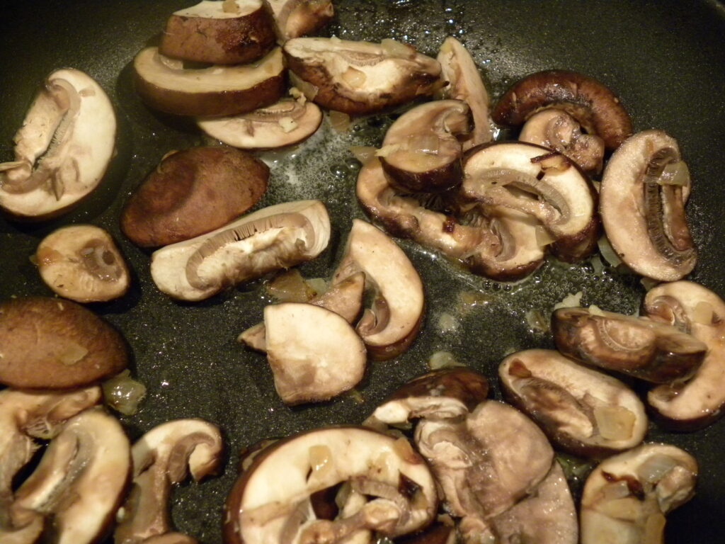 sautee mushrooms