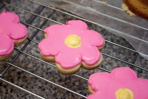Flower Sugar Cookie Royal Icing 2.jpg