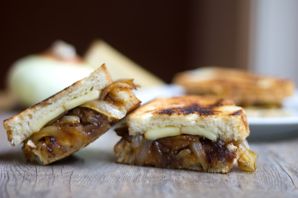 French Onion Grilled Cheese Sandwich 4