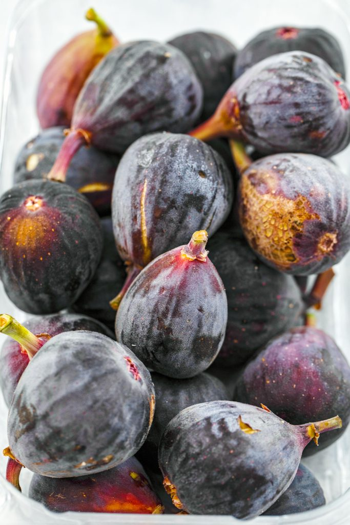 Overhead view of whole fresh figs