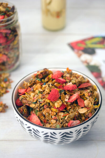 Fruity Granola -- This granola made with Fruity Pebbles and freeze-dried strawberries makes the perfect hostess gift! | wearenotmartha.com