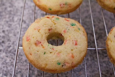 Fruity-Pebbles-Donuts-Cooling-2.jpg
