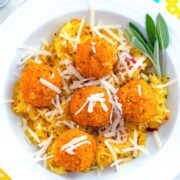 Garlicky Spaghetti Squash with Pumpkin Chicken Meatballs -- Garlicky Spaghetti Squash with Pumpkin Chicken Meatballs is a deliciously healthy fall or winter meal that is so quick and easy to make! | wearenotmartha.com