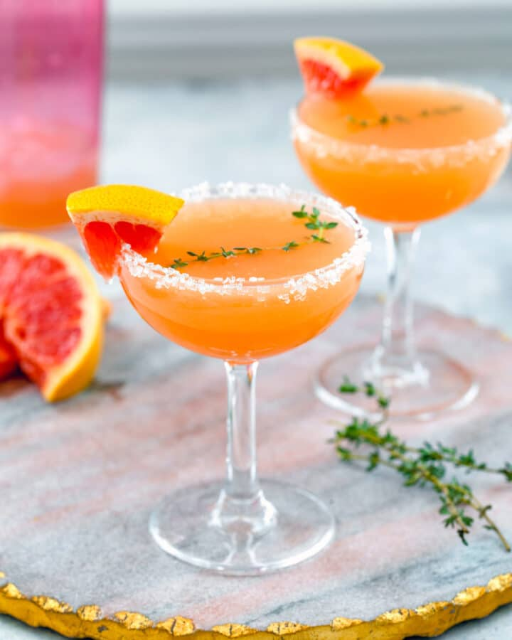 Grapefruit Lillet Cocktail -- Made with only three ingredients, this Grapefruit Lillet Cocktail is the perfect combination of bitter and sweet and makes for a refreshing cocktail any time of year | wearenotmartha.com #grapefruit #lillet #lilletblanc #vodka #grapefruitcocktail #cocktails