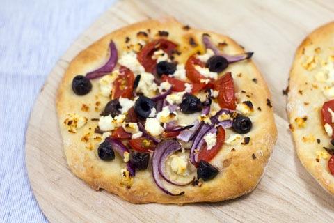 Greek Salad Flatbread 3.jpg
