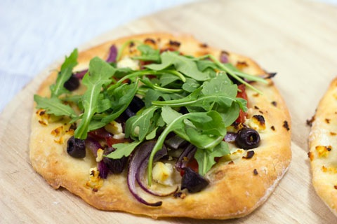 Greek Salad Flatbread 6.jpg