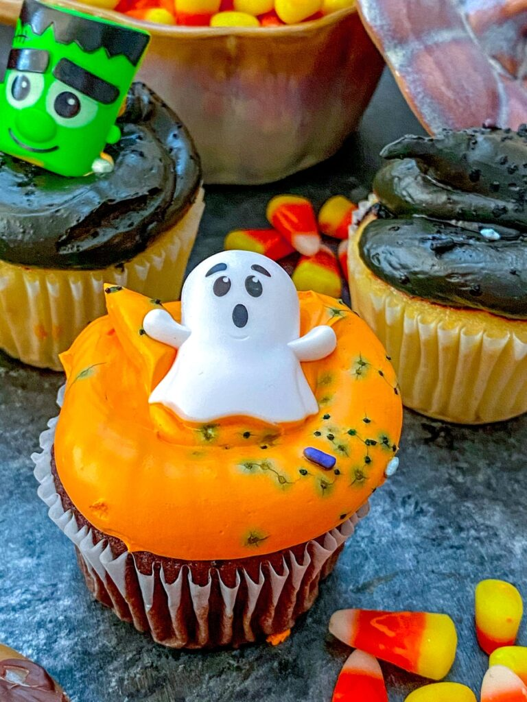 Halloween cupcake with ghost on top