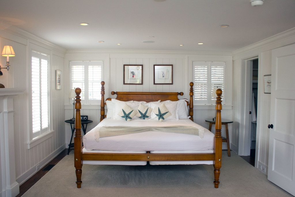 Harbor View Hotel on Martha's Vineyard -- A mini vacation in the off-season | wearenotmartha.com