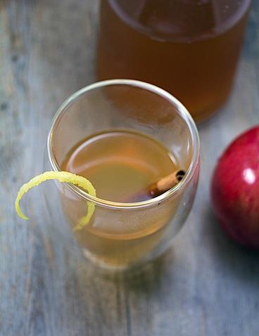 Honey Apple-Bourbon Toddy