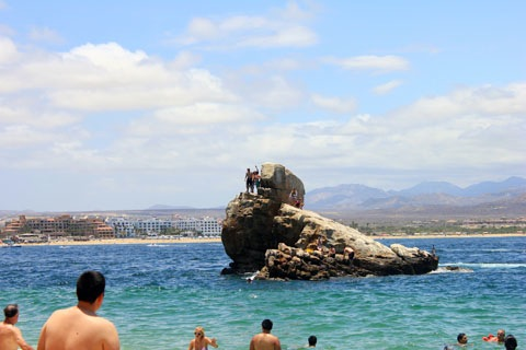 Honeymoon-Los-Cabos-Lovers-Beach-2.jpg