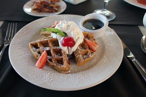 Honeymoon-Los-Cabos-Pueblo-Bonito-Pacifica-Siempre-Waffles.jpg