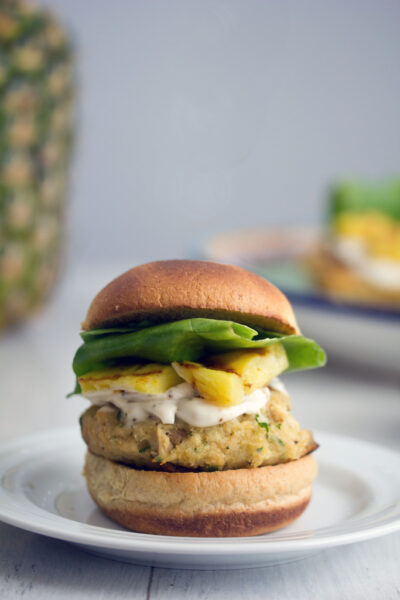Jalapeno-Tuna-Burgers-Grilled-Pineapple-5
