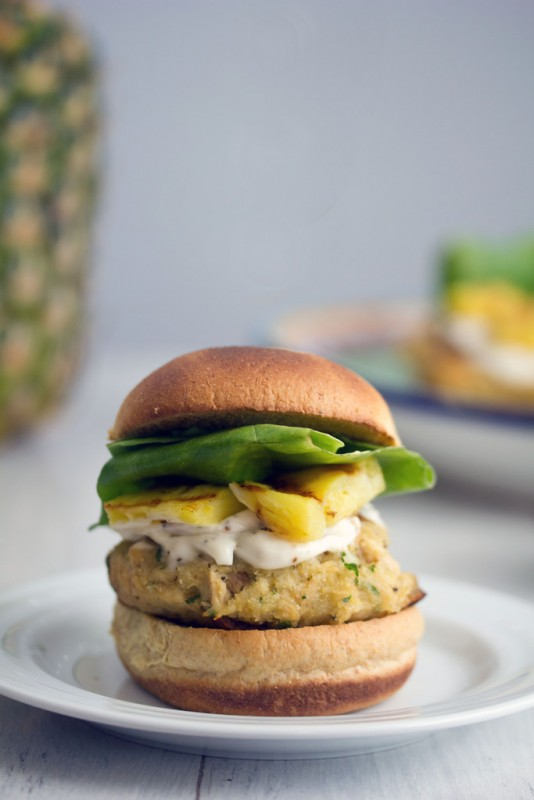 Jalapeno-Tuna-Burgers-Grilled-Pineapple-5