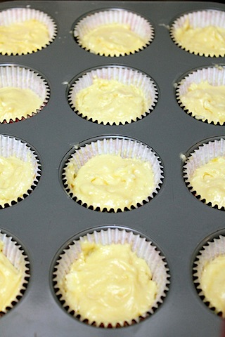 Lemon-Blackberry-Cupcaes-Cupcake-Tin.jpg
