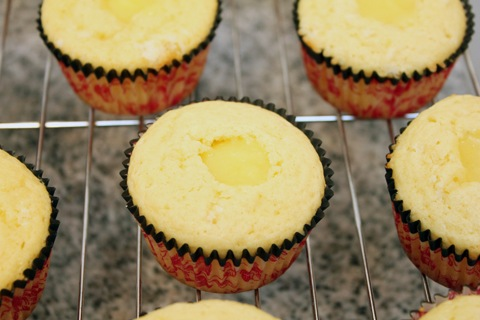 Lemon-Blackberry-Cupcakes-Filled.jpg