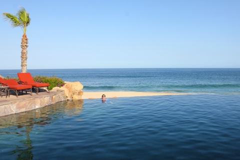 Los-Cabos-Honeymoon-Sheraton-Hacienda-del-Mar-Infiniti-Pool.jpg
