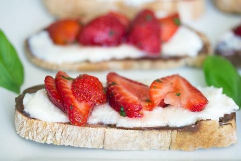 Maple Strawberry Dessert Crostini 10.jpg