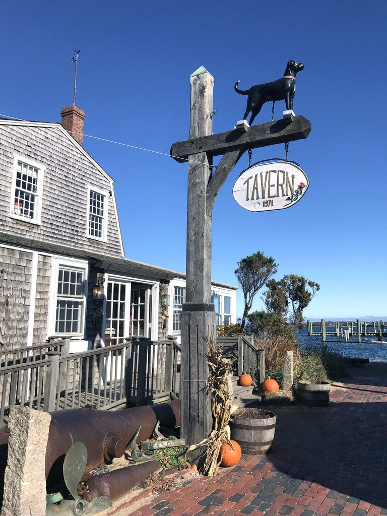 Marthas-Vineyard-Black-Dog-Tavern-7