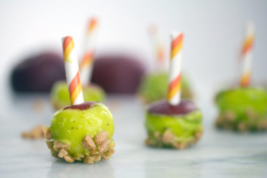 Mini Caramel Candy Apples -- The best of both fall dessert worlds! | wearenotmartha.com