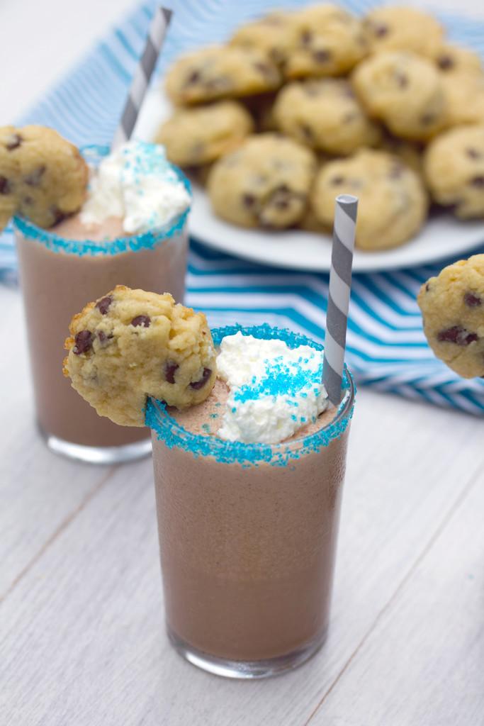 Mini Cookie Milkshakes 14