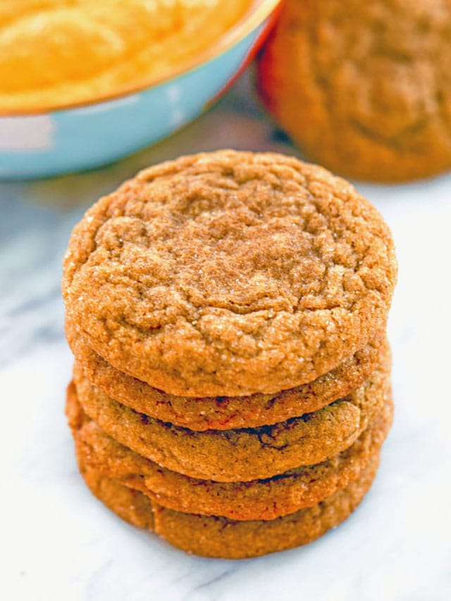 Molasses-Ginger-Cookies-Web-Story